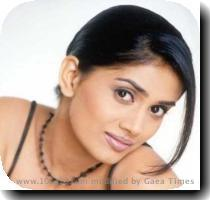 Actress : Sonali Kulkarni