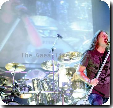 Dream Theater performs live