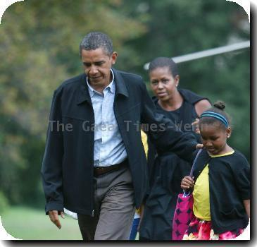 President <b>Barack Obama</b>, daughter Sasha Obama and wife