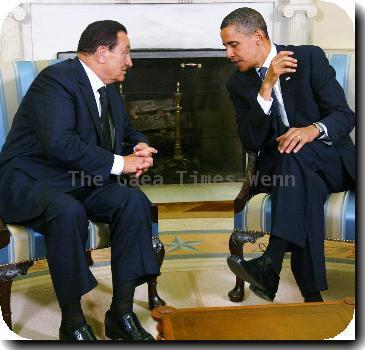 US President Barack Obama welcomes Egyptian President Hosni Mubarak to the White House.