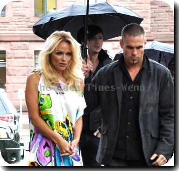 Pamela Anderson - Page 41