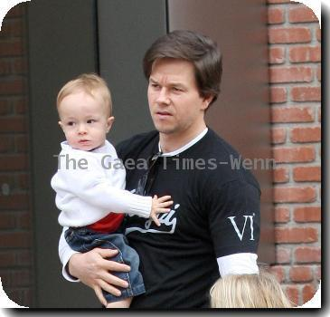 Mark Wahlberg with his pregnant wife