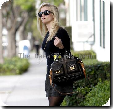 Reese Witherspoon leaving Neil George salon in Beverly Hills after getting a haircut Los Angeles, California.