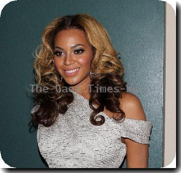 Beyonce Knowles Unveiling of the Beyonce Cosmetology Center at Phoenix House New York City, USA.