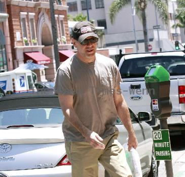 Bruce Willis  runs errands in Beverly Hills Los Angeles, California.