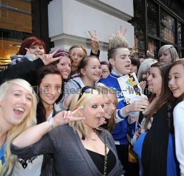 The Jedward boys receive lots of birthday gifts