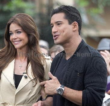 Denise Richards and Mario Lopez