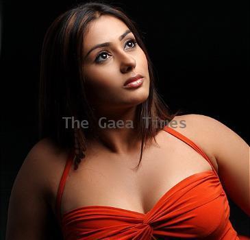 Namitha Denies Rumors Of Suicide