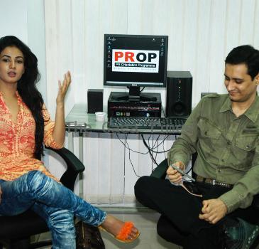 Sonal Chauhan Mesmerizes Gen Next