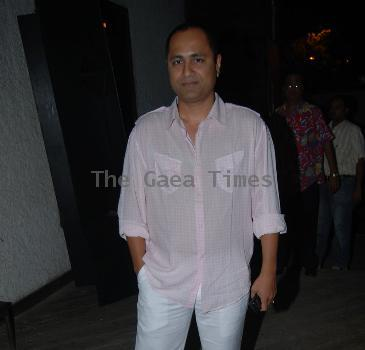Vipul Shah Gifts Vintage Classic Watch On Akshays Birthday