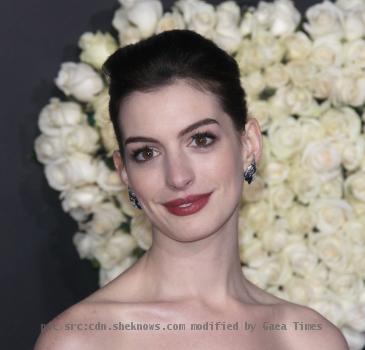 <b>Anne Hathaway</b>