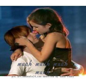 Emma Watson AND rUPERT gRINT kiss