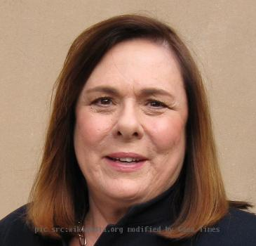 CNN Senior Political Correspondent Candy Crowley at Barack Obama Rally at the Toyota Center, Houston, Texas