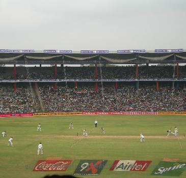 Ishant Sharma to Faisal Iqbal, Pakistan 2nd Innings, Dec 12th, 2007