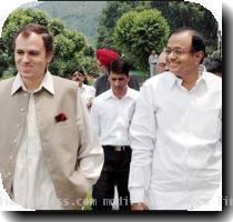Union Home Minister P Chidambaram with Chief Minister Omar Abdullah in Srinagar
