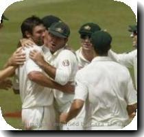 Australia s Ben Hilfenhaus  2nd L  celebrates taking the wicket of South Africa s JP Duminy during the fifth day of the second Test in Durban   0